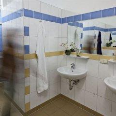 Отель U inn Berlin Hostel Германия, Берлин - отзывы, цены и фото номеров - забронировать отель U inn Berlin Hostel онлайн ванная фото 2