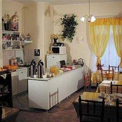 Отель Astoria Panzió питание фото 3