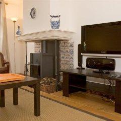 Апартаменты Authentic Jordaan Apartment интерьер отеля