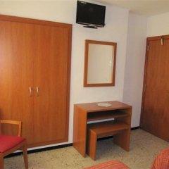 Отель Pensio El Moli Испания, Льорет-де-Мар - отзывы, цены и фото номеров - забронировать отель Pensio El Moli онлайн удобства в номере фото 2