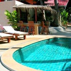 Отель Longtail Suites бассейн