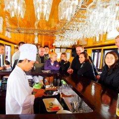 Отель Alova Gold Cruises Halong гостиничный бар