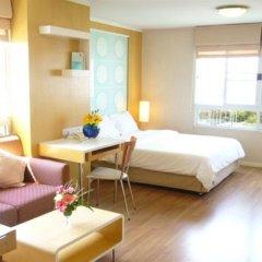 Отель Lumpini Residence Sathorn Таиланд, Бангкок - отзывы, цены и фото номеров - забронировать отель Lumpini Residence Sathorn онлайн комната для гостей фото 5