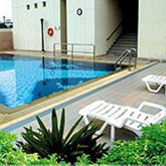 Отель Lumpini Residence Sathorn Таиланд, Бангкок - отзывы, цены и фото номеров - забронировать отель Lumpini Residence Sathorn онлайн бассейн