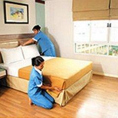 Отель Lumpini Residence Sathorn Таиланд, Бангкок - отзывы, цены и фото номеров - забронировать отель Lumpini Residence Sathorn онлайн комната для гостей фото 4