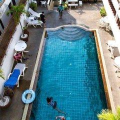 Отель Toy Residence бассейн