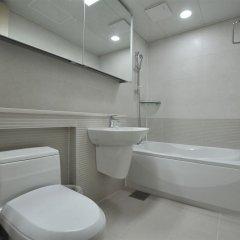 Отель Golden Forest Residence Южная Корея, Сеул - отзывы, цены и фото номеров - забронировать отель Golden Forest Residence онлайн ванная