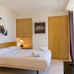 Апартаменты AinB Diagonal Francesc Macia Apartments комната для гостей фото 3