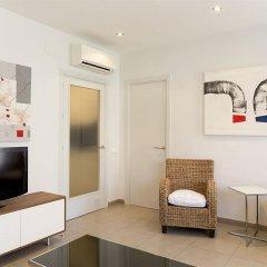 Апартаменты AinB Diagonal Francesc Macia Apartments комната для гостей фото 5
