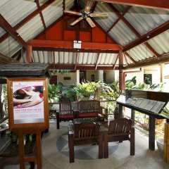 Отель Friendship Beach Resort & Atmanjai Wellness Centre терраса/патио фото 2