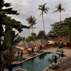 Отель Friendship Beach Resort & Atmanjai Wellness Centre открытый бассейн