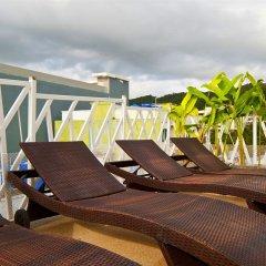 Отель PJ Patong Resortel бассейн