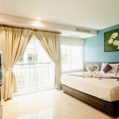 Отель PJ Patong Resortel комната для гостей фото 9