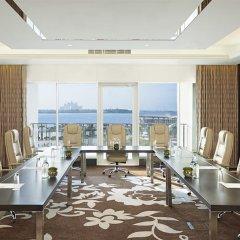 Отель Waldorf Astoria Dubai Palm Jumeirah конференц-зал фото 2