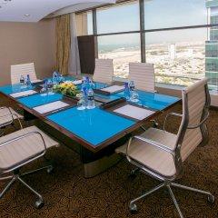 Mercure Dubai Barsha Heights Hotel Suites балкон