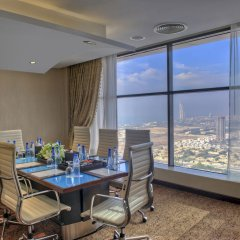 Mercure Dubai Barsha Heights Hotel Suites питание фото 3