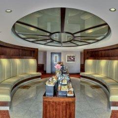 Mercure Dubai Barsha Heights Hotel Suites питание фото 2