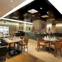 Mercure Dubai Barsha Heights Hotel Suites питание