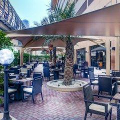 Mercure Dubai Barsha Heights Hotel Suites питание фото 4
