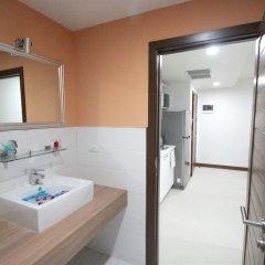 Апартаменты Karon Serviced Apartment ванная
