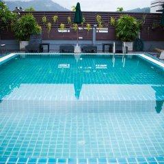 Platinum Hotel открытый бассейн