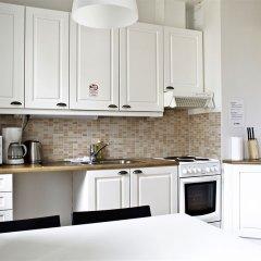 Апартаменты Forenom Serviced Apartments Helsinki Albertinkatu кухня в номере