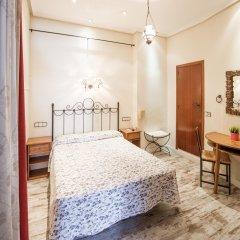 Отель Hostal La Plata Стандартный номер с двуспальной кроватью