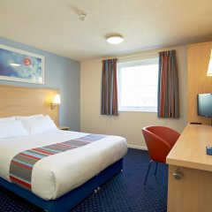 Отель Travelodge London City Airport комната для гостей