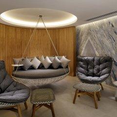 Отель The Alexander, A Luxury Collection Hotel, Yerevan Армения, Ереван - отзывы, цены и фото номеров - забронировать отель The Alexander, A Luxury Collection Hotel, Yerevan онлайн бассейн