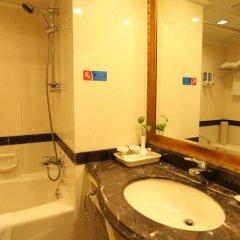 Отель Chongqing Hotel Китай, Пекин - отзывы, цены и фото номеров - забронировать отель Chongqing Hotel онлайн ванная