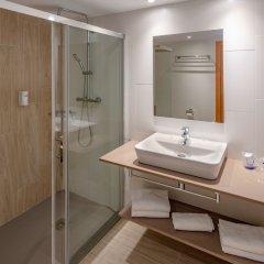 Отель 4R Salou Park Resort II Испания, Салоу - отзывы, цены и фото номеров - забронировать отель 4R Salou Park Resort II онлайн ванная