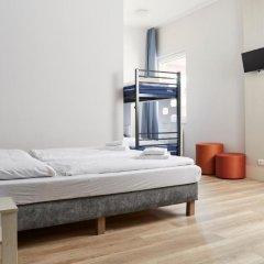Отель a&o Copenhagen Norrebro Стандартный семейный номер с различными типами кроватей фото 2