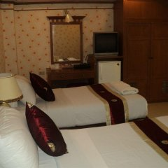 Chaleena Hotel Бангкок комната для гостей фото 3