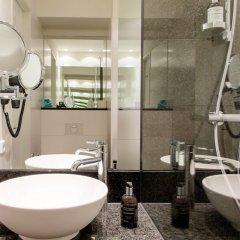 Отель Motel One Warsaw Польша, Варшава - отзывы, цены и фото номеров - забронировать отель Motel One Warsaw онлайн ванная