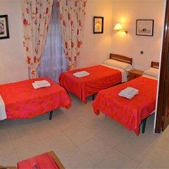 Отель Hostal La Bañezana комната для гостей фото 3
