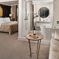 Отель Gran Melia Palacio De Los Duques 5* Номер Deluxe red level с различными типами кроватей фото 2
