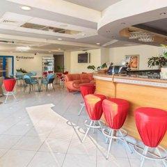 Отель Apart Complex Aquamarine Half Board Болгария, Камчия - отзывы, цены и фото номеров - забронировать отель Apart Complex Aquamarine Half Board онлайн гостиничный бар
