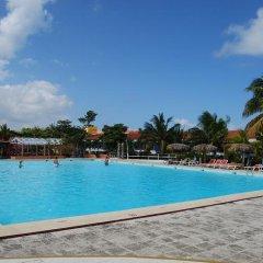Отель Club Amigo Atlantico Guardalavaca All Inclusive бассейн