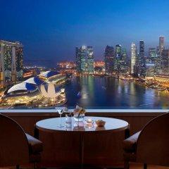 Отель The Ritz-Carlton, Millenia Singapore 5* Люкс Millenia с различными типами кроватей