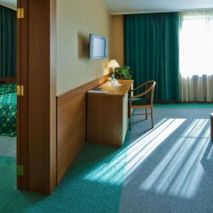 Гостиничный комплекс Аэротель Домодедово 3* Клубный люкс с различными типами кроватей фото 4