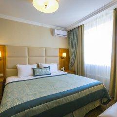 Гостиница Салют 4* Семейный люкс с двуспальной кроватью