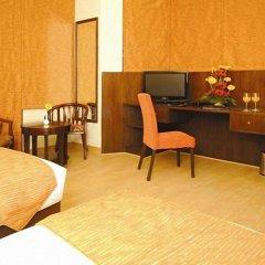 Отель Clarks Inn Kailash Colony Индия, Нью-Дели - отзывы, цены и фото номеров - забронировать отель Clarks Inn Kailash Colony онлайн удобства в номере
