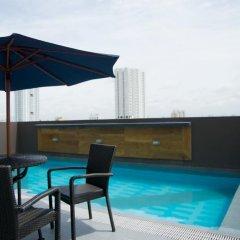 Отель V Hotel Филиппины, Манила - отзывы, цены и фото номеров - забронировать отель V Hotel онлайн бассейн