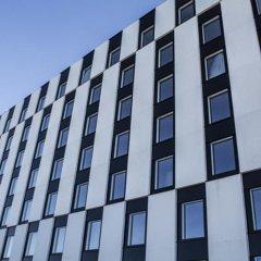 Отель Clarion Hotel Helsinki Airport Финляндия, Вантаа - 11 отзывов об отеле, цены и фото номеров - забронировать отель Clarion Hotel Helsinki Airport онлайн вид на фасад