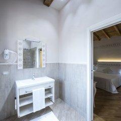 Hotel Sesmones Корнельяно Лауденсе ванная
