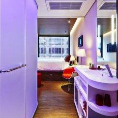 Отель citizenM New York Times Square 4* Стандартный номер с различными типами кроватей фото 2