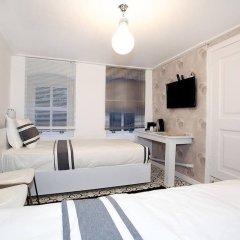 Отель Dreamer`s B&B Cihangir комната для гостей