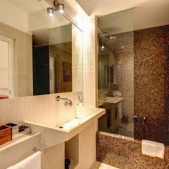 C. Luxury Palace & Hostel ванная фото 7