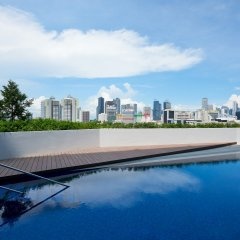 Отель Hilton Garden Inn Singapore Serangoon бассейн