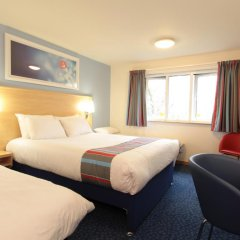 Отель Travelodge London City Airport комната для гостей фото 2